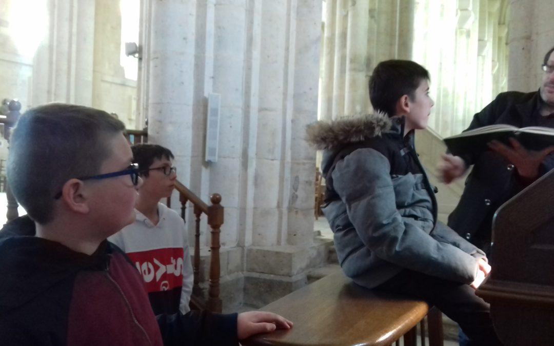 Les 6ème à la découverte de l'orgue de l'Abbatiale